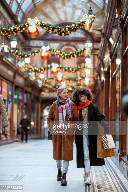 xmas shopping - shop stock pictures, royalty-free photos & images
