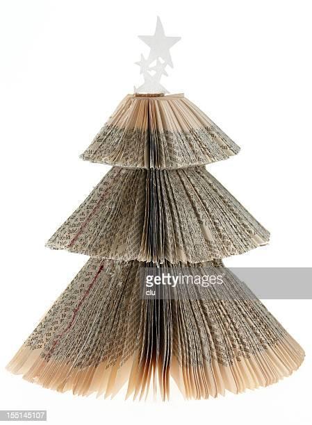 Árbol de navidad-hecho de un libro viejo
