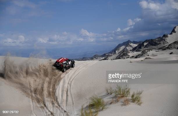 XRaid Team's Argentinian driver Orlando Terranova and codriver Bernardo Graue compete with their Mini during the Stage 11 of the 2018 Dakar Rally...