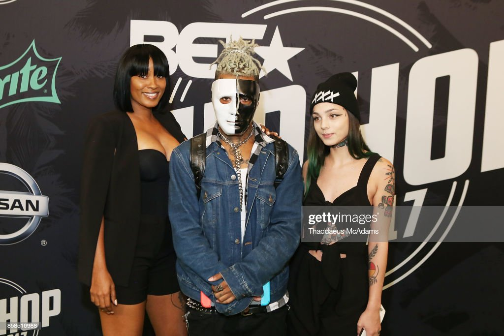 XXXTentacion (C) attends BET Hip Hop Awards 2017 on October 6, 2017 in Miami Beach, Florida.