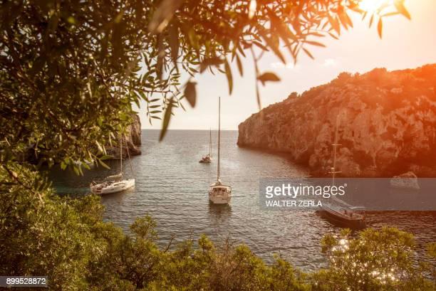 yachts anchored in bay, mahon, menorca, spain - ミノルカ ストックフォトと画像
