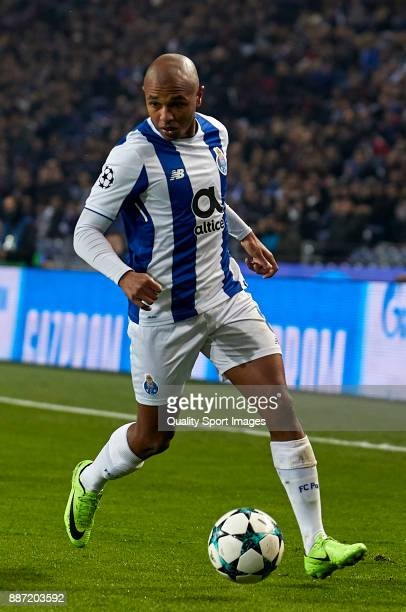 Yacine Brahimi of FC Porto in action during the UEFA Champions League group G match between FC Porto and AS Monaco at Estadio do Dragao on December 6...