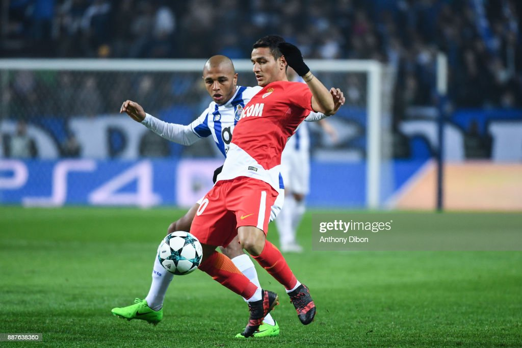Yacine Brahimi of Porto and Rony Lopes of Monaco during the Uefa Champions League match between Fc Porto and As Monaco at Estadio do Dragao on December 6, 2017 in Porto, Portugal.