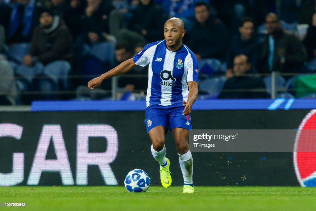 FC Porto v FC Schalke 04 - UEFA Champions League Group D : News Photo