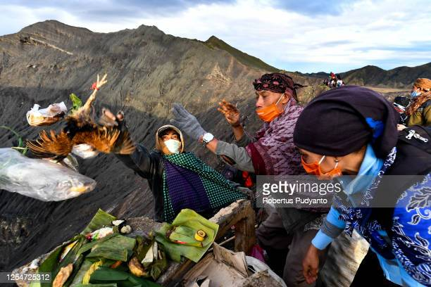yadnya kasada festival in indonesia - mt bromo stock pictures, royalty-free photos & images