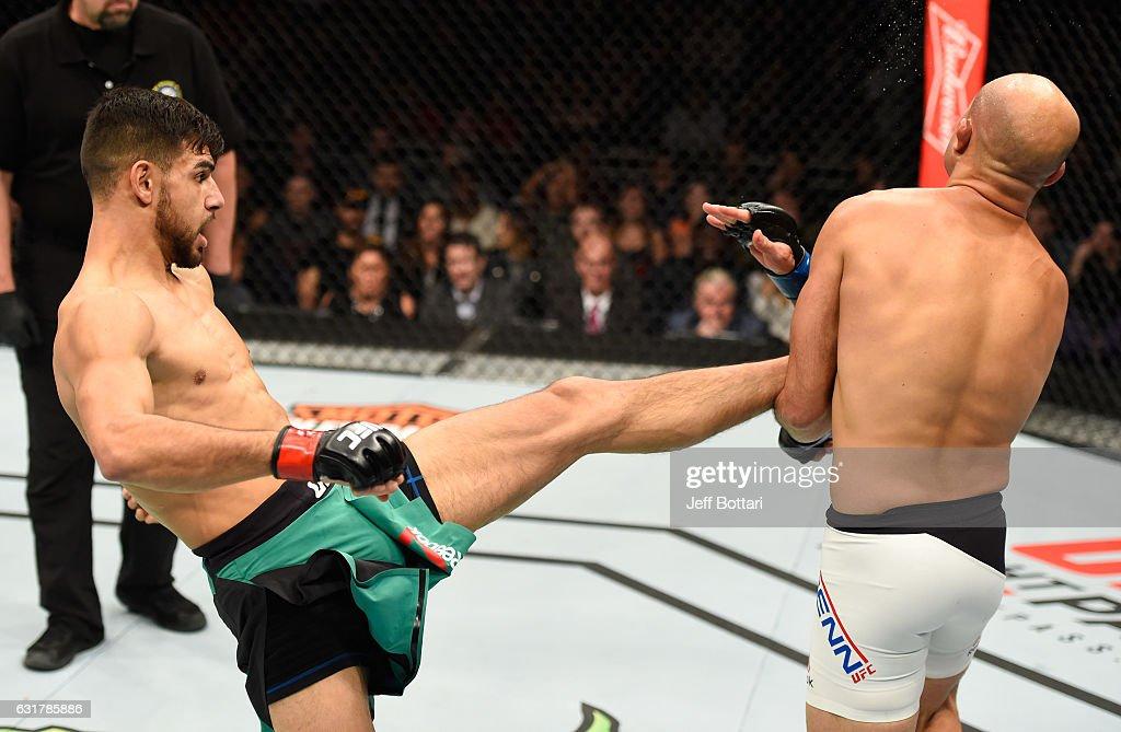 UFC Fight Night: Rodriguez v Penn : News Photo