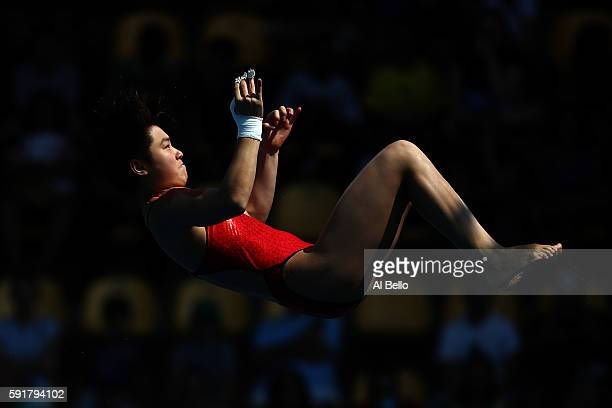 Yajie Si of China competes during the Women's 10m Platform semi final diving at the Maria Lenk Aquatics Centre on day 13 of the 2016 Rio Olympic...