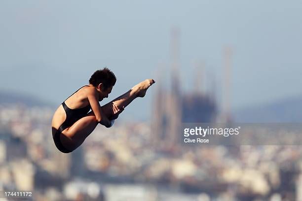 Yajie Si of China competes in the Women's 10m Platform Diving final on day six of the 15th FINA World Championships at Piscina Municipal de Montjuic...