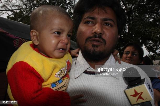 Yakub husband of Gujarat riots gangrape survivor Bilkis Bano adressing media at Press Club of India in New Delhi
