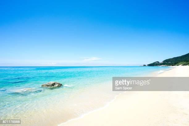 yakushima island paradise, nagata inakahama beach, japan - リゾート地 ストックフォトと画像