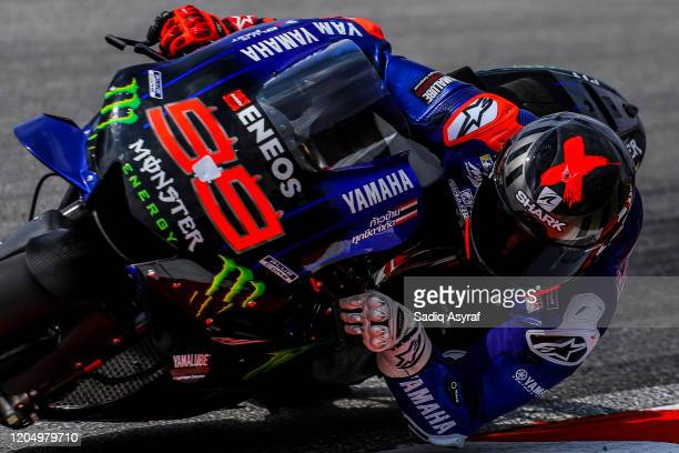 Yamaha Test Team Spanish rider Jorge Lorenzo rounds the bend during the MotoGP preseason test at Sepang International Circuit on February 9 2020 in...