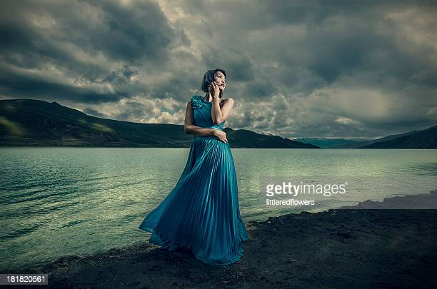 yamdrok tso lake - evening gown stock pictures, royalty-free photos & images