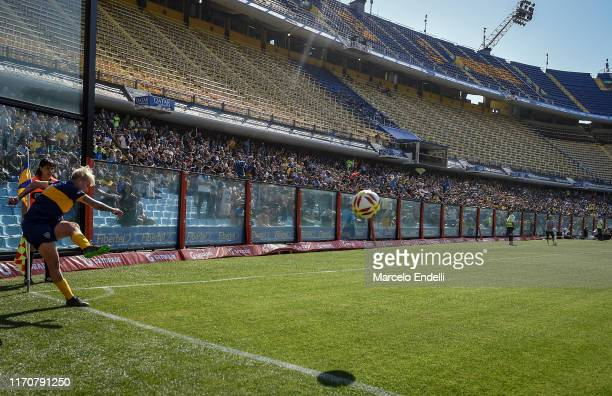 Yamila Rodriguez of Boca Juniors takes a corner kick during a match between Boca Juniors and River Plate as part of Argentina Women's First Division...
