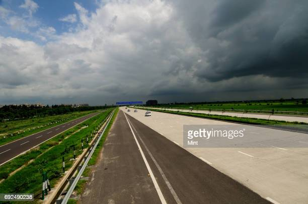 Yamuna Expressway before independent day It is newly open by JP group The expressway is India's longest sixlane controlledaccess expressway stretch