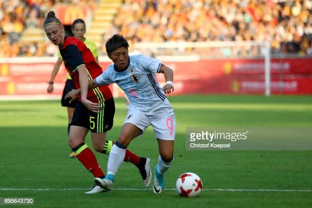 Yana Daniels of Belgium challenges Kumi Yokoyama of Japan during the Women's International Friendly match between Belgium and Japan at Stadium Den...