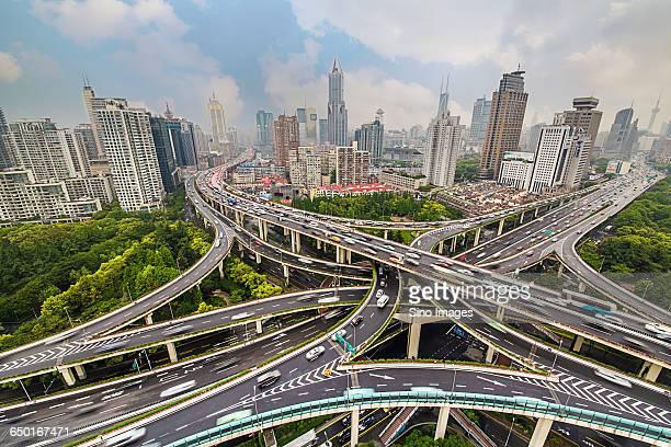 yanan road viaduct in shanghai - penetrar fotografías e imágenes de stock
