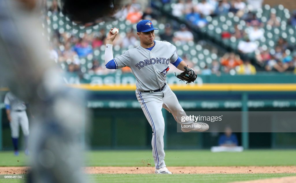 Yangervis Solarte #26 of the Toronto Blue Jays makes the throw to first base during the ninth inning of the game against the Detroit Tigers at Comerica Park on June 3, 2018 in Detroit, Michigan. Toronto defeated Detroit 8-4.