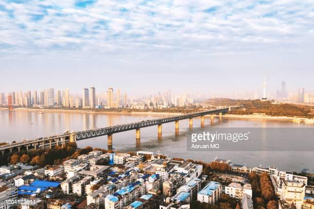 yangtze river bridge - wuhan city stock pictures, royalty-free photos & images