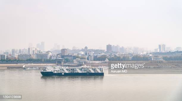 yangtze river - wuhan city stock pictures, royalty-free photos & images