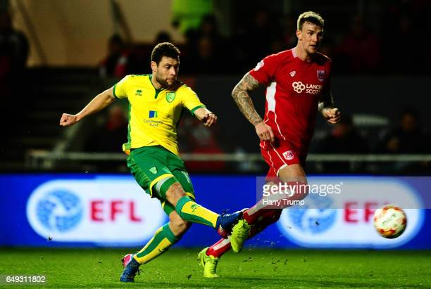 Yanic Wildschut of Norwich City scores his sides first goal during the Sky Bet Championship match between Bristol City and Norwich City at Ashton...