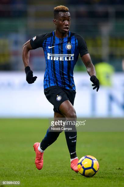 Yann Karamoh of FC Internazionale in action during the Serie A football match between FC Internazionale and Benevento Calcio FC Internazionale won 20...