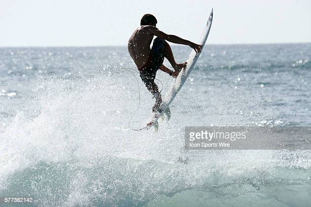 Yann Martin free surf in les Bourdaines Beach before event day of Rip Curl Pro France 08 in Hoosegor France