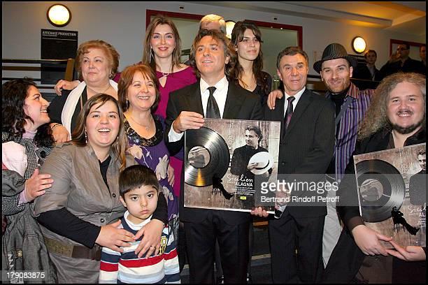 Yann Olivier, Director of Universal Classics, Remet Un Disque De Platine, Roberto Alagna, Ses Parents, Sa Soeur Marinella, Sa Fille Ornella, Son...