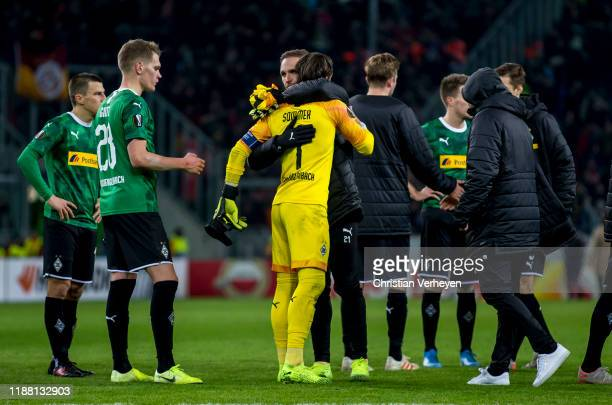 Yann Sommer and Tobias Sippel of Borussia Moenchengladbach react after the Group J UEFA Europa League match between Borussia Moenchengladbach and...