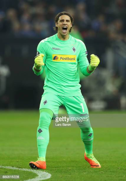 Yann Sommer of Borussia Moenchengladbach celebrates as Jonas Hofmann of Borussia Moenchengladbach scores their first goal during the UEFA Europa...
