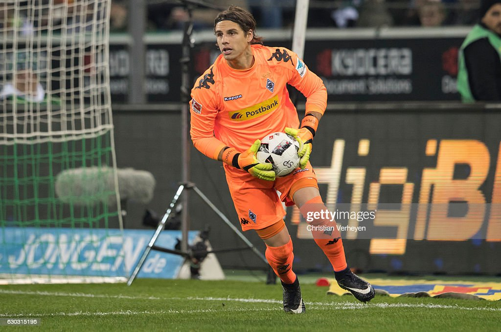 Yann Sommer of Borussia Moenchengladbach during the Bundesliga match between Borussia Moenchengladbach and VfL Wolfsburg at Borussia-Park on December 20, 2016 in Moenchengladbach, Germany.