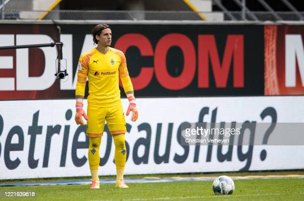 Yann Sommer of Borussia Moenchengladbach gives instructions during the Bundesliga match between SC Paderborn and Borussia Moenchengladbach at...