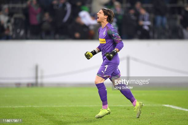 5 560 Yann Sommer Photos And Premium High Res Pictures Getty Images