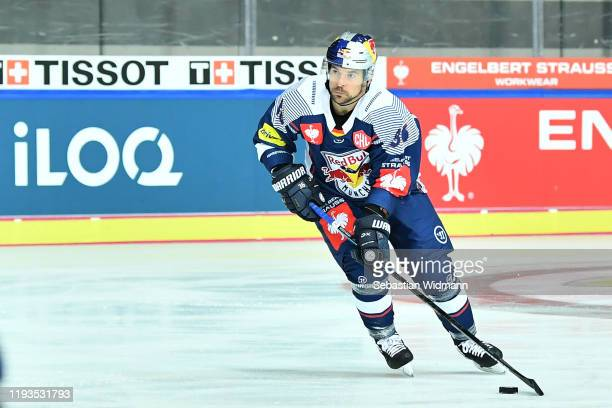 Yannic Seidenberg of EHC Muenchen in action during the Champions Hockey League quarter finals second leg match between EHC Red Bull Muenchen and...