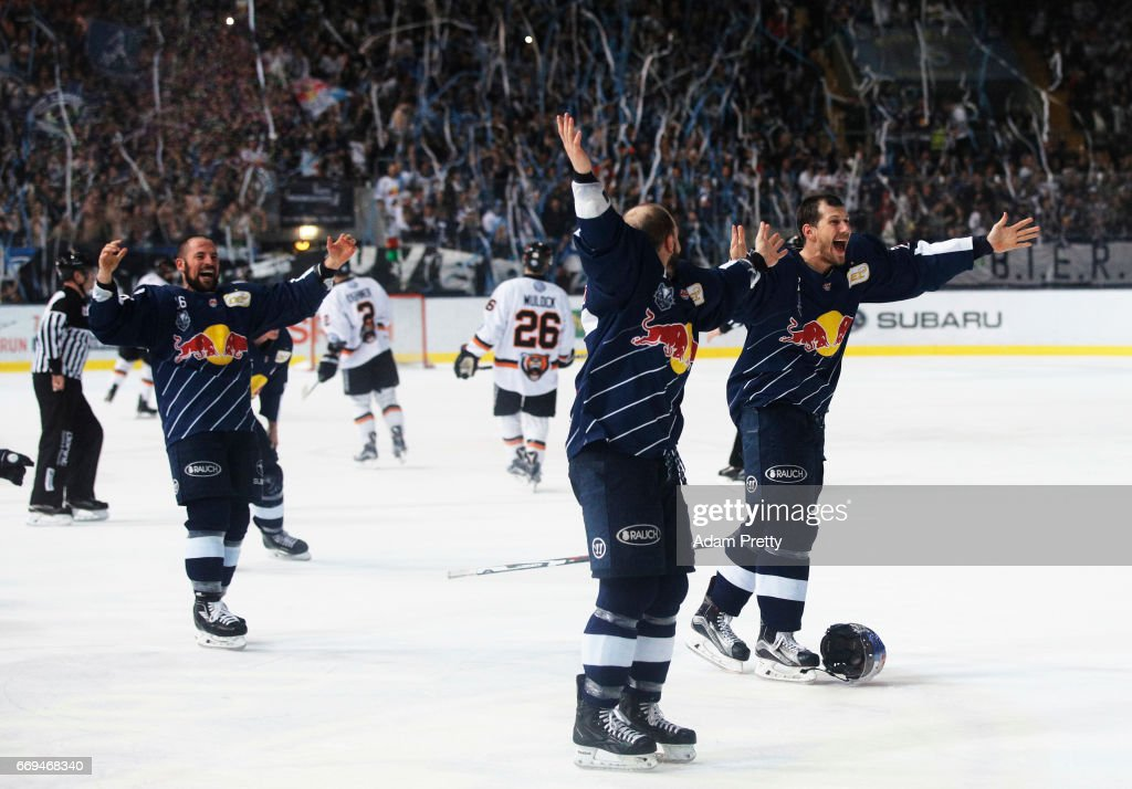 EHC Muenchen v Grizzlys Wolfsburg - DEL Play-Offs Final Match 5