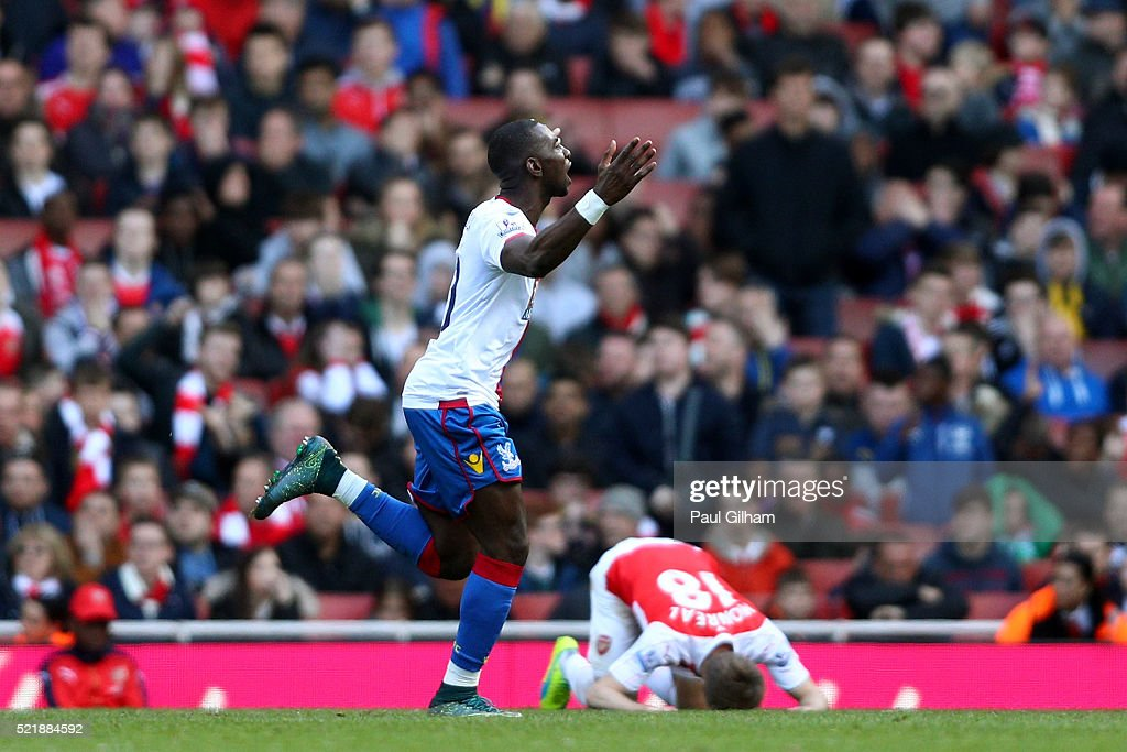 Yannick Bolasie of Crystal Palace celebrates after scoring his team's first goal of the game during the Barclays Premier League match between Arsenal and Crystal Palace at the Emirates Stadium on April 17, 2016 in London, England.