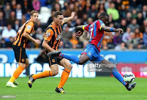 Yannick Bolasie of Crystal Palace shoots at goal during the Barclays Premier League match between Hull City and Crystal Palace at KC Stadium on...