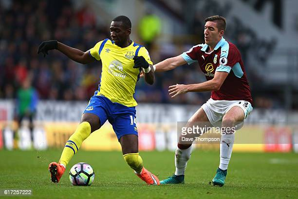 Yannick Bolasie of Everton controls the ball while under pressure from Stephen Ward of Burnley during the Premier League match between Burnley and...