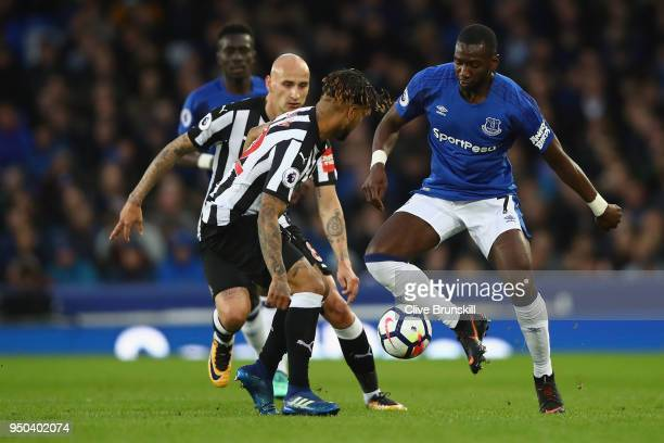 Yannick Bolasie of Everton Jonjo Shelvey of Newcastle United and Deandre Yedlin of Newcastle United battle for possession during the Premier League...