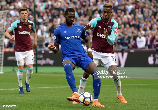 Yannick Bolasie of Everton on the ball during the Premier League match between West Ham United and Everton at London Stadium on May 13 2018 in London...