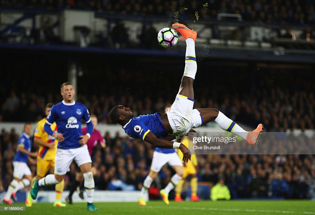 Yannick Bolasie of Everton performs an overhead kick during the Premier League match between Everton and Crystal Palace at Goodison Park on September 30, 2016 in Liverpool, England.
