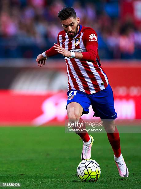 Yannick Carrasco de Madrid controls the ball during the La Liga match between Club Atletico de Madrid and Real Club Celta de Vigo at Vicente Calderon...