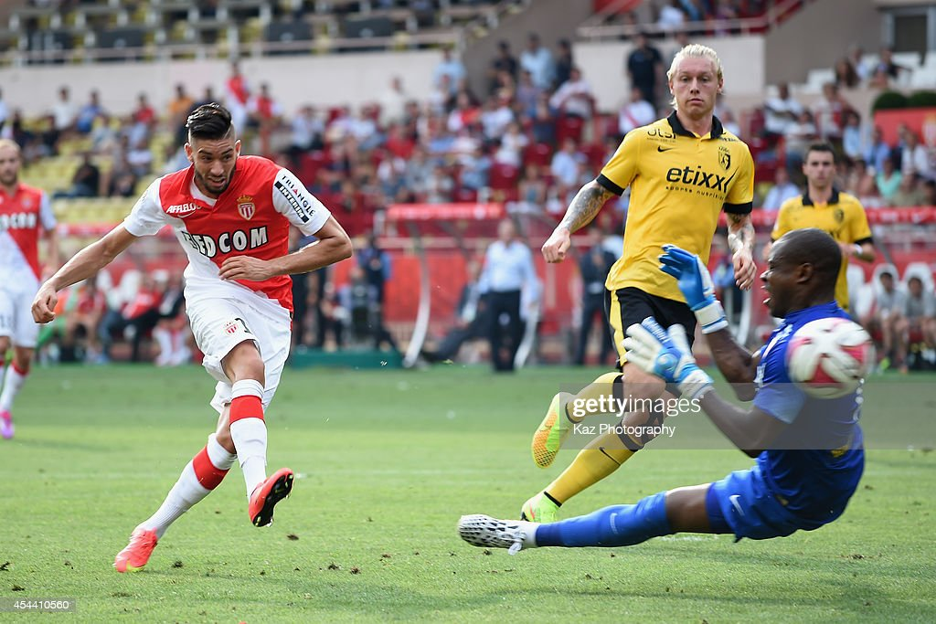 Yannick Ferreira Carrasco of Monaco shoots at goal during the French Ligue 1 match between AS Monaco FC and LOSC Lille at Louis II Stadium on August 30, 2014 in Monaco, Monaco.