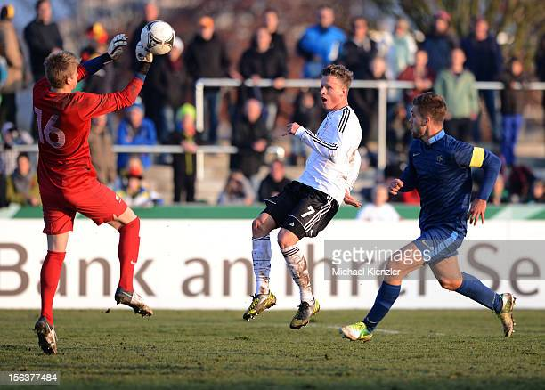 Yannick Gerhardt of Germany with good chance against Paul Nardi and Lucas Rogeaux during the International Friendly match between U19 Germany and U19...