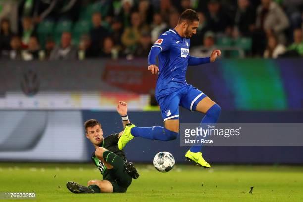 Yannick Gerhardt of VfL Wolfsburg battles for possession with Ishak Belfodil of TSG 1899 Hoffenheim during the Bundesliga match between VfL Wolfsburg...