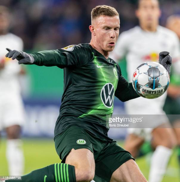 Yannick Gerhardt of VfL Wolfsburg controls the ball during the DFB Cup second round match between VfL Wolfsburg and RB Leipzig at Volkswagen Arena on...