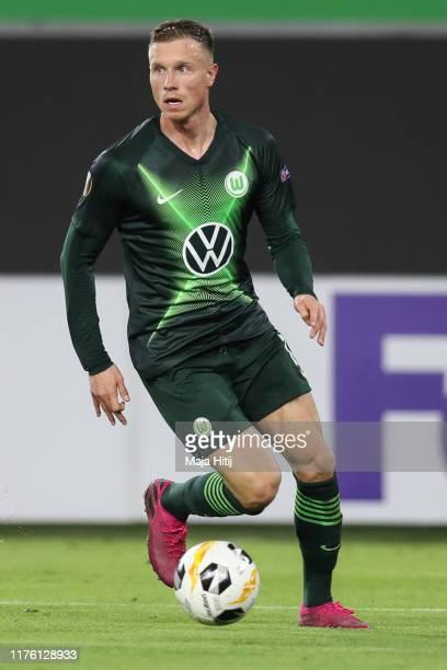 Yannick Gerhardt of VfL Wolfsburg controls the ball during the UEFA Europa League group I match between VfL Wolfsburg and FC Oleksandriya at...