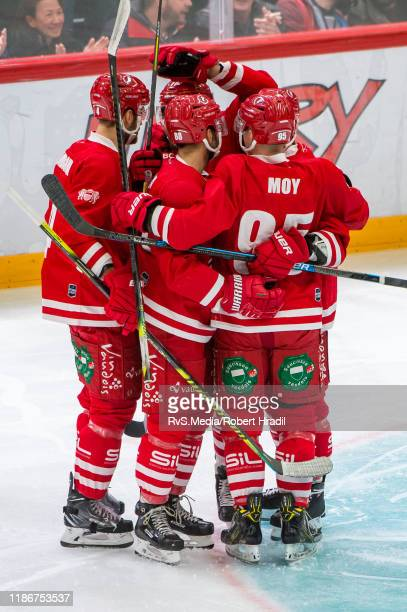 Yannick Herren of Lausanne HC celebrates his goal with teammates during the Swiss National League game between Lausanne HC and SC Bern at Vaudoise...