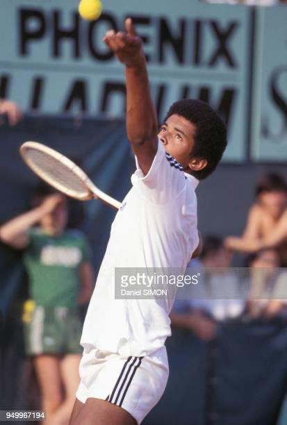 Yannick Noah au tournoi de tennis des Internationaux de France à RolandGarros en juin 1978 à Paris France