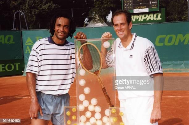 Yannick Noah remporte la victoire contre Guy Forget en septembre 1998 à Saint Tropez France