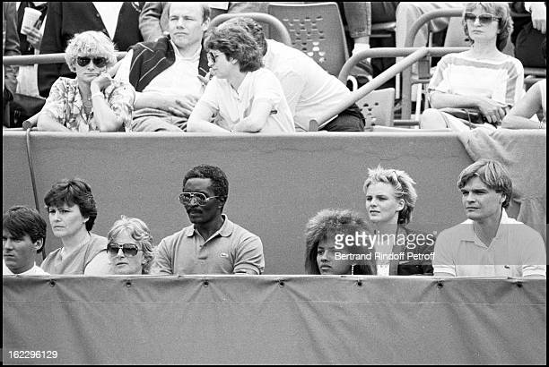 Yannick Noah's family attends one of his tennis matches at Roland Garros, 1985 : his mother Marie-Claire, his father Zacharie, his sister and his...
